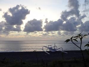 Восход. Бали. Пляж Амед.